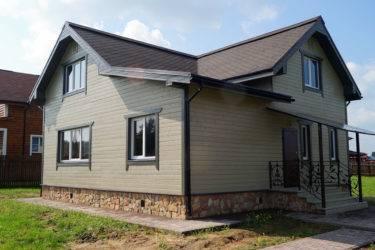 Какой материал дешевле и лучше для облицовки фасада дома: топ-9 популярных материалов