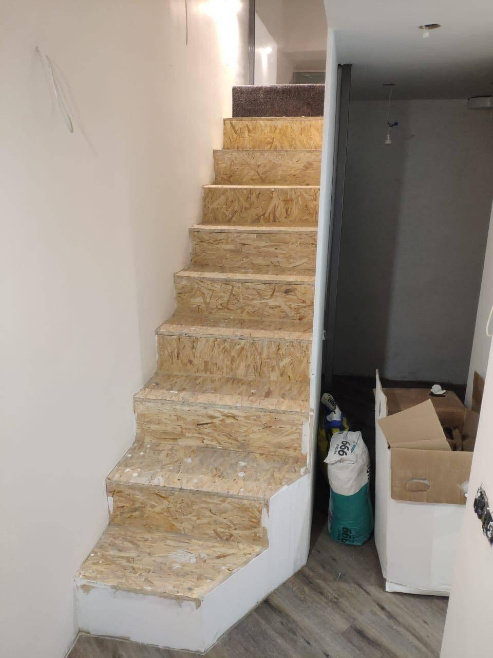 Отделка лестницы ковролином: важные нюансы