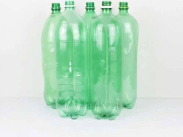 Поделки из пластиковых бутылок – 100 фото лучших идей использования для украшения сада и дачи
