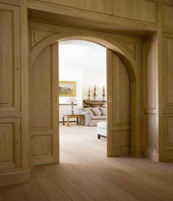 Арочные двери на входе и между комнатами: стальные, металлические, кованые, пластиковые и из массива.