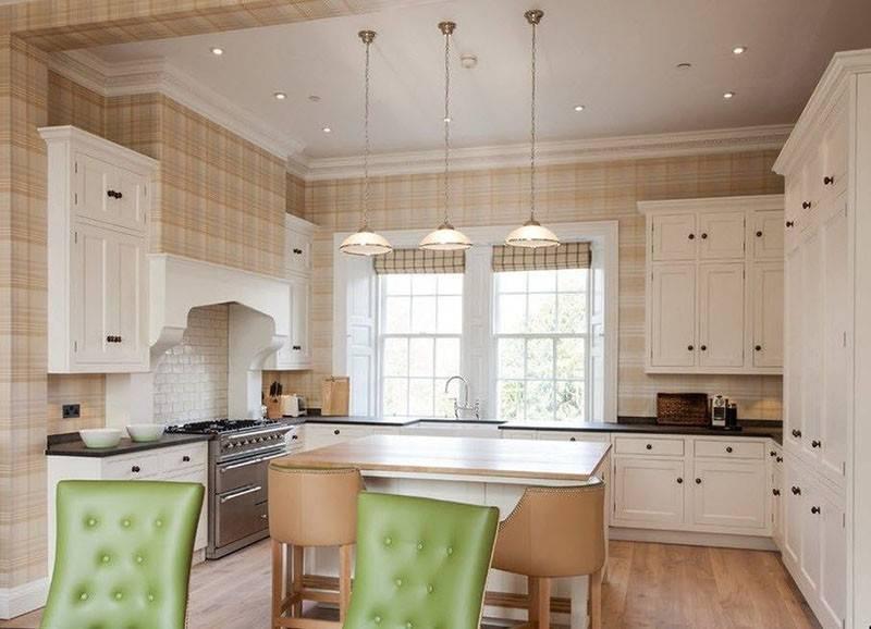 Обои на кухне в интерьере (83 фото): модели для гостиной и кухонные под покраску