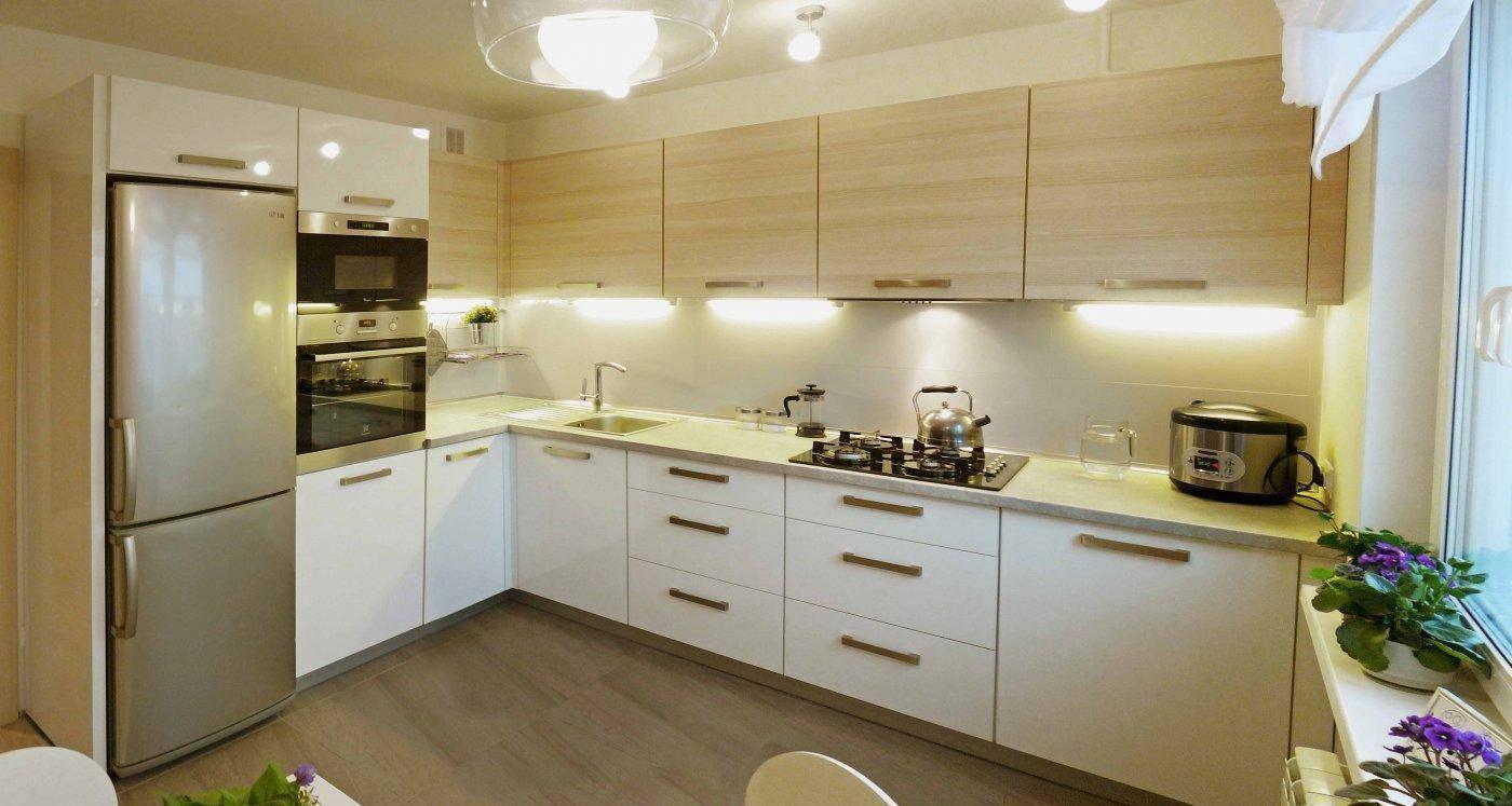 Варианты дизайна кухни 11 кв. м с диваном