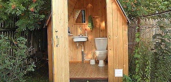 Способы избавления от запаха в дачном туалете: народные и биологические средства
