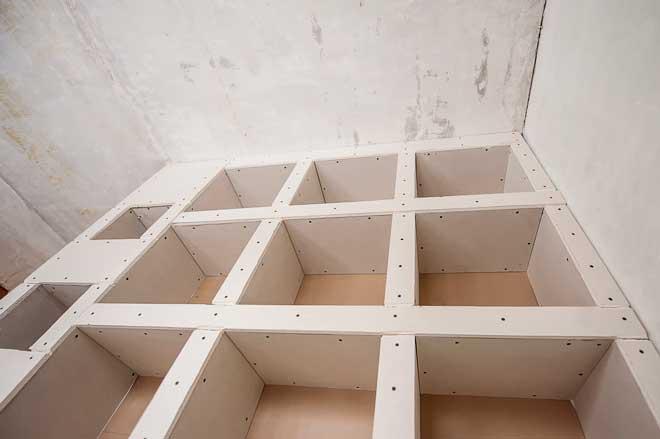 Как правильно оштукатурить потолок из гипсокартона под покраску