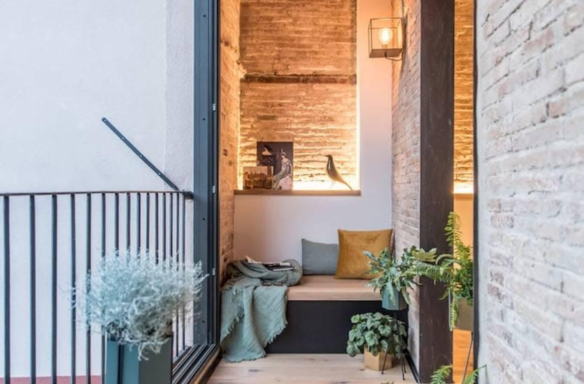 Как использовать цветы для оформления балкона и лоджии?