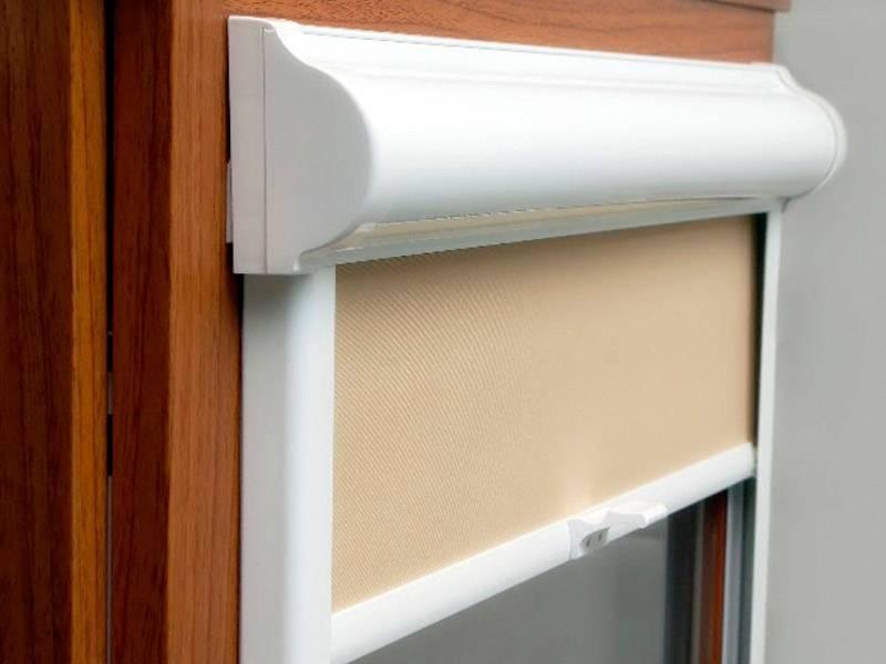 Установка и крепление жалюзи без сверления на пластиковые окна