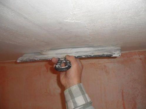 Шпаклевка потолка из гипсокартона под покраску: как зашпаклевать потолок своими руками