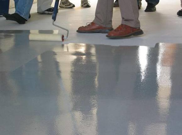 Краска по бетону для пола износостойкая — как выбрать?