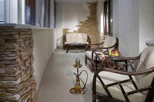 Отделка балконов и лоджий искусственным и декоративным камнем: фото идеи