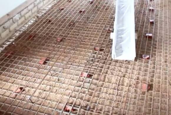 Армирование бетонной стяжки пластиковой сеткой