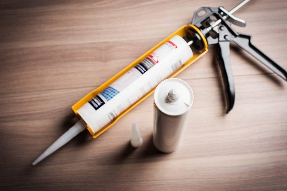 Как пользоваться пистолетом для герметика – пошаговая инструкция для новичка