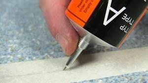 Характеристики клея холодная сварка для линолеума, обзор лучших марок и как пользоваться