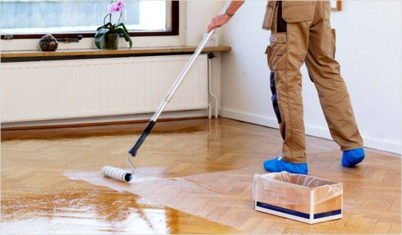 Полы в деревянном доме (44 фото): покраска пирога пола с перекрытиями, какой материал постелить, чем лучше застелить в ванной комнате