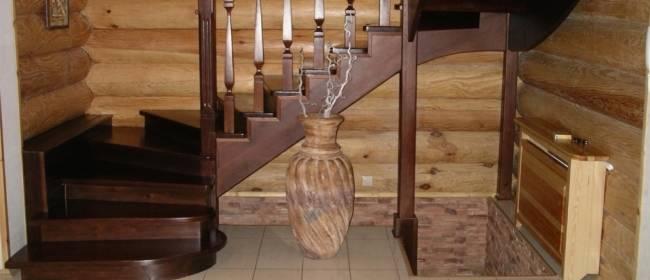 Как и чем покрасить лестницу на второй этаж: идеи и инструкция