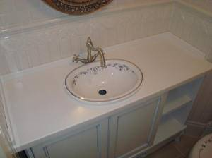 Столешница для ванной (54 фото): как сделать акриловую столешницу  для раковины своими руками