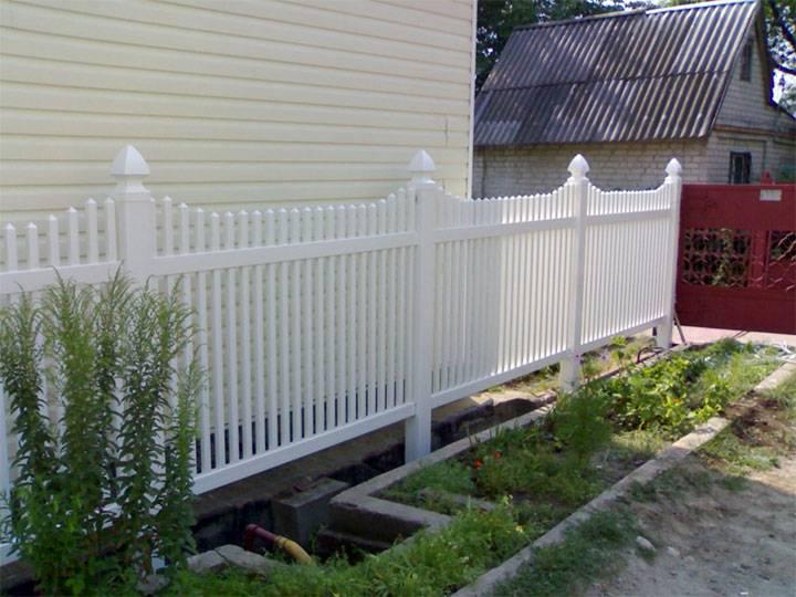 Как изготовить забор для клумб и приусадебного участка своими руками