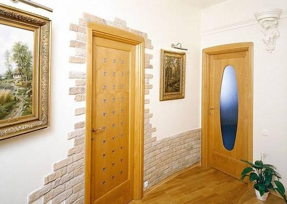 Обшивка деревянных и металлических дверей: обивка дерматином, вагонкой