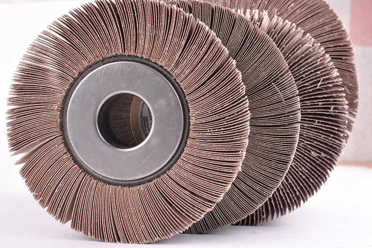 Лепестковый диск для болгарки: шлифовальный для дерева и металла