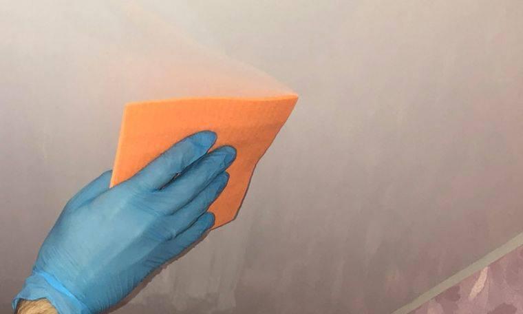 Как мыть натяжной глянцевый потолок в домашних условиях