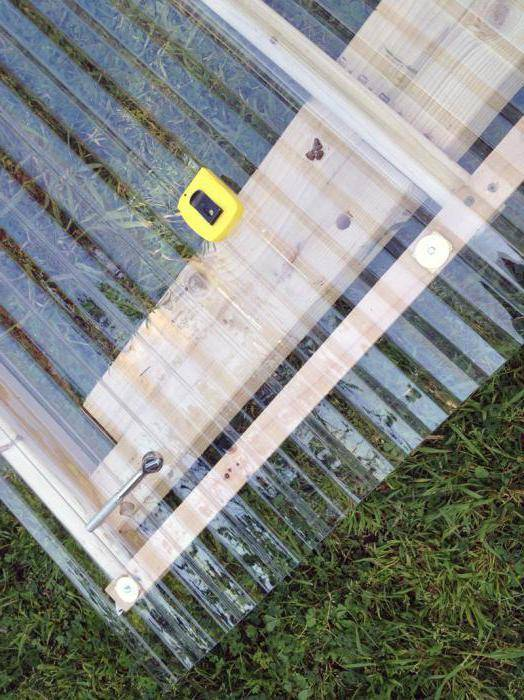 Инструкция по монтажу поликарбоната на металлический каркас: познаем со всех сторон