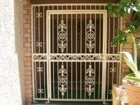 Установка металлических решеток на двери: фото идеи, видео инструкция