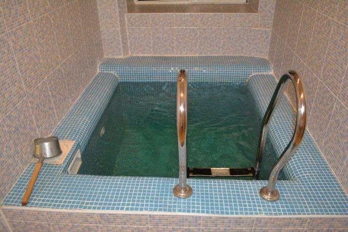 Плитка мозаика для ванной: разновидности, выбор дизайна и укладка