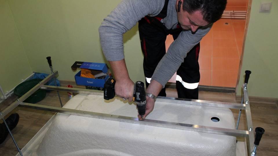 Установка акриловой ванны своими руками - пошаговая инструкция, 3 варианта!