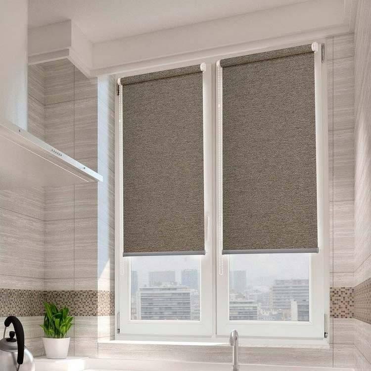 Как правильно выбрать рулонные шторы на пластиковые окна, на кухню, в спальню, виды и инструкция