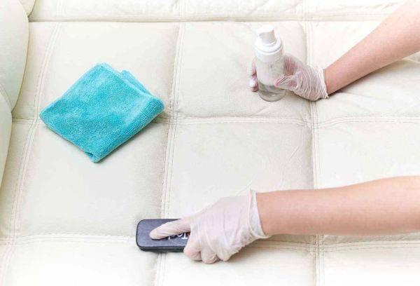 Лучшие способы, чтобы почистить диван из ткани в домашних условиях от грязи