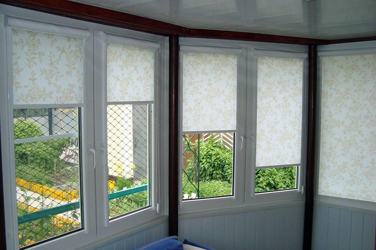 Рулонные шторы на пластиковые окна без сверления: виды