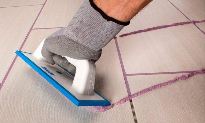 Какую затирку лучше использовать в ванной, подготовка швов и нанесение на плитку самостоятельно