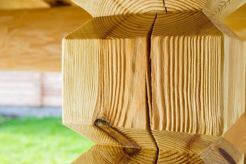 Браширование древесины: общие сведения и основные этапы