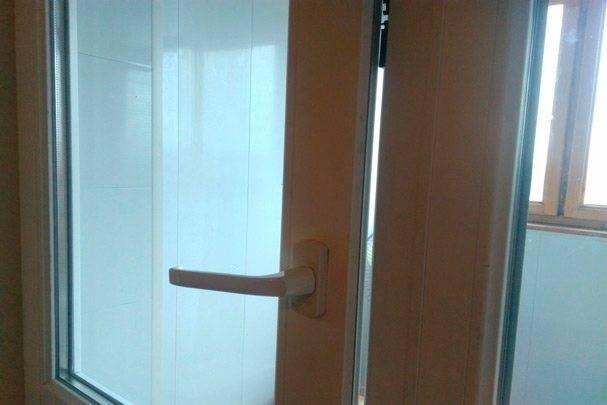 Грамотная регулировка пластиковых балконных дверей