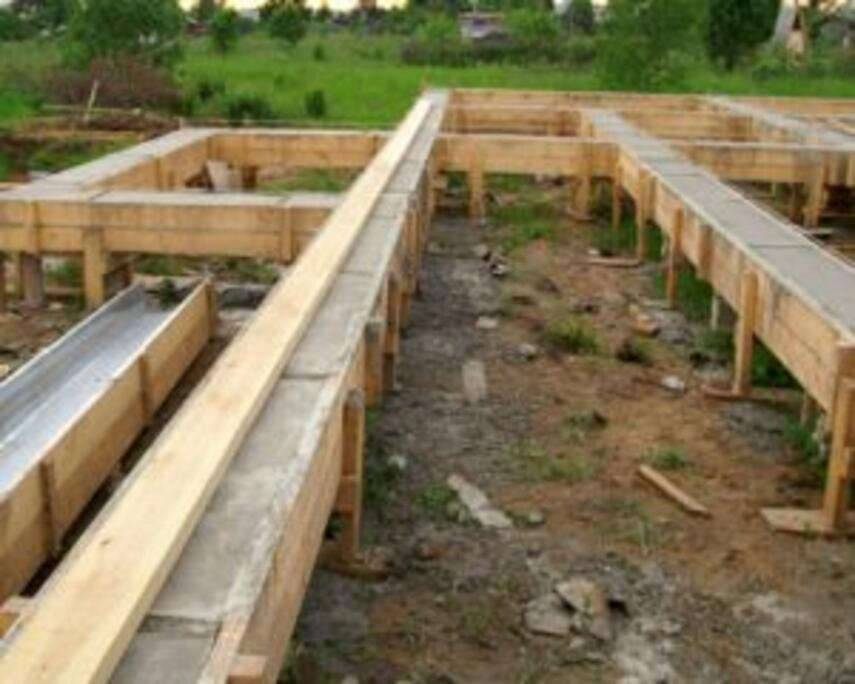 Возведение столбчатого фундамента для каркасного дома своими руками