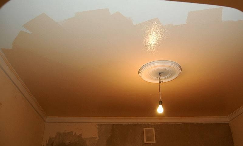 Краска для потолка в квартире: какая лучше? 49 фото водоэмульсионная потолочная фактурная краска для интерьера, как выбрать для кухни