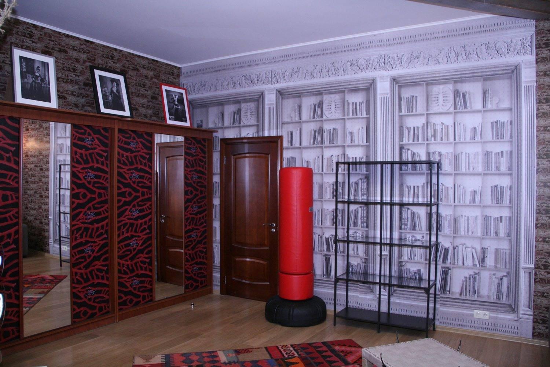 Как обновить старый шкаф: 15 бюджетных идей для дома от эксперта