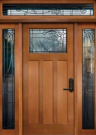 Финские входные двери: деревянные уличные и межкомнатные модели для загородного дома, теплые двери по технологии из финляндии, отзывы