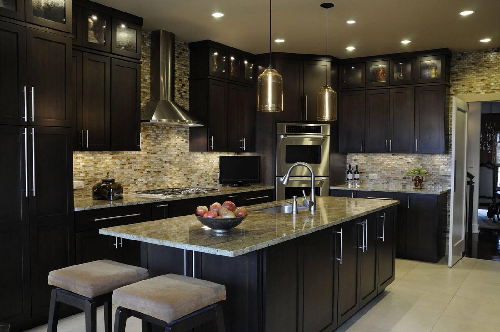 Кухня с окном: фото примеры оформление окна на кухне