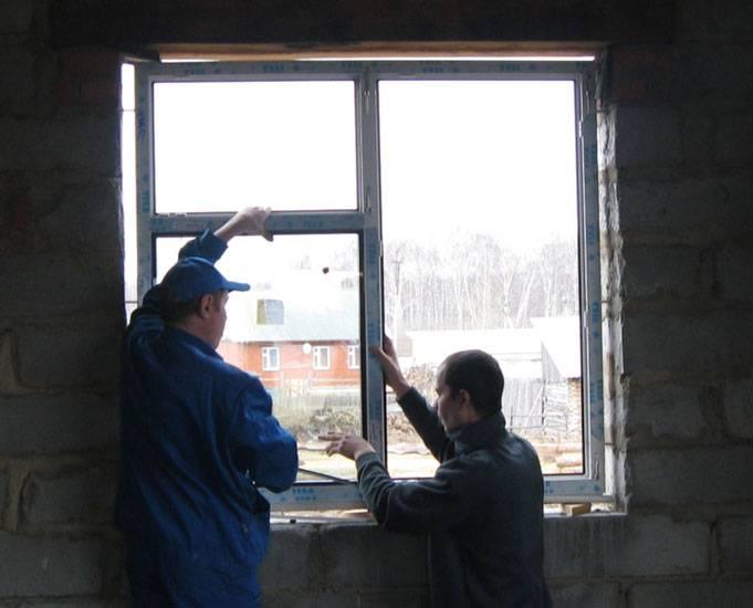 Секреты установки пластиковых окон в деревянном доме с обсадой