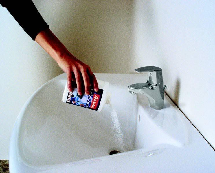 Как устранить засор в раковине на кухне или в ванной