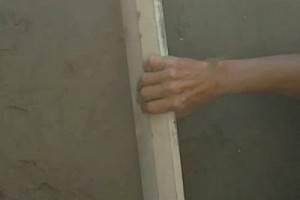 Как выполнить штукатурку стен без маяков: пошаговая инструкция с фото и видео
