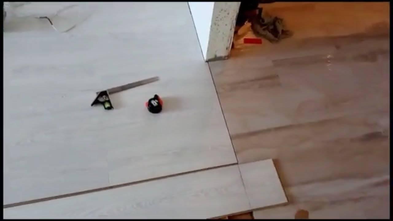 Стык между ламинатом и плиткой: как оформить правильно и красиво. порожки, без порожков, профили, компенсаторы