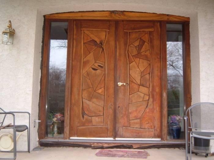 Входные двери деревянные утепленные: устройство, комплектующие, особенности монтажа и эксплуатации