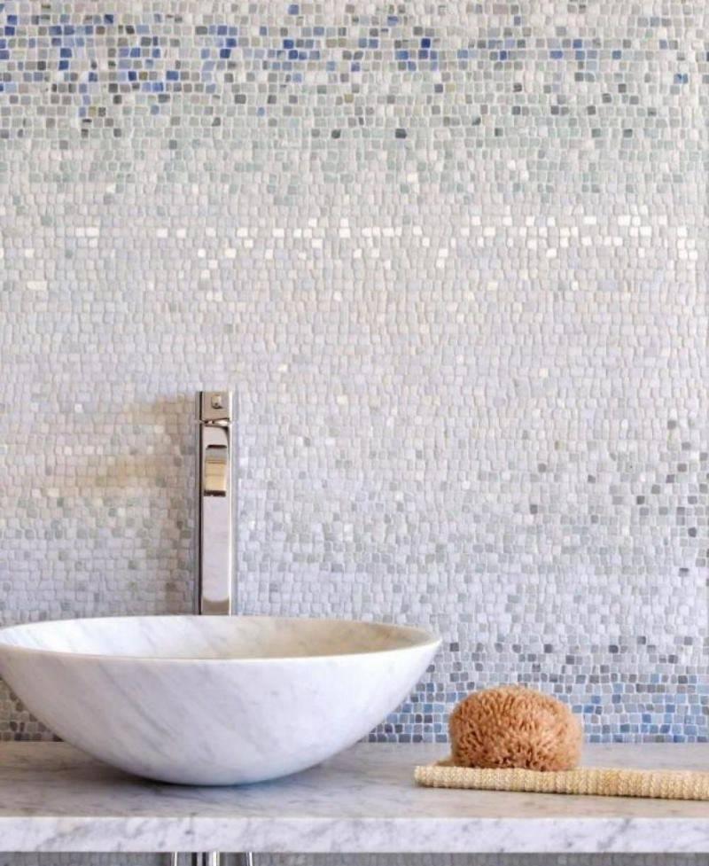 Белая мозаика: преимущества и особенности дизайна