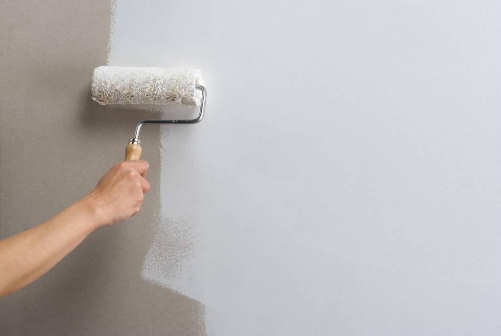 Грунтовка стен перед поклейкой обоев: тонкости и возможные ошибки