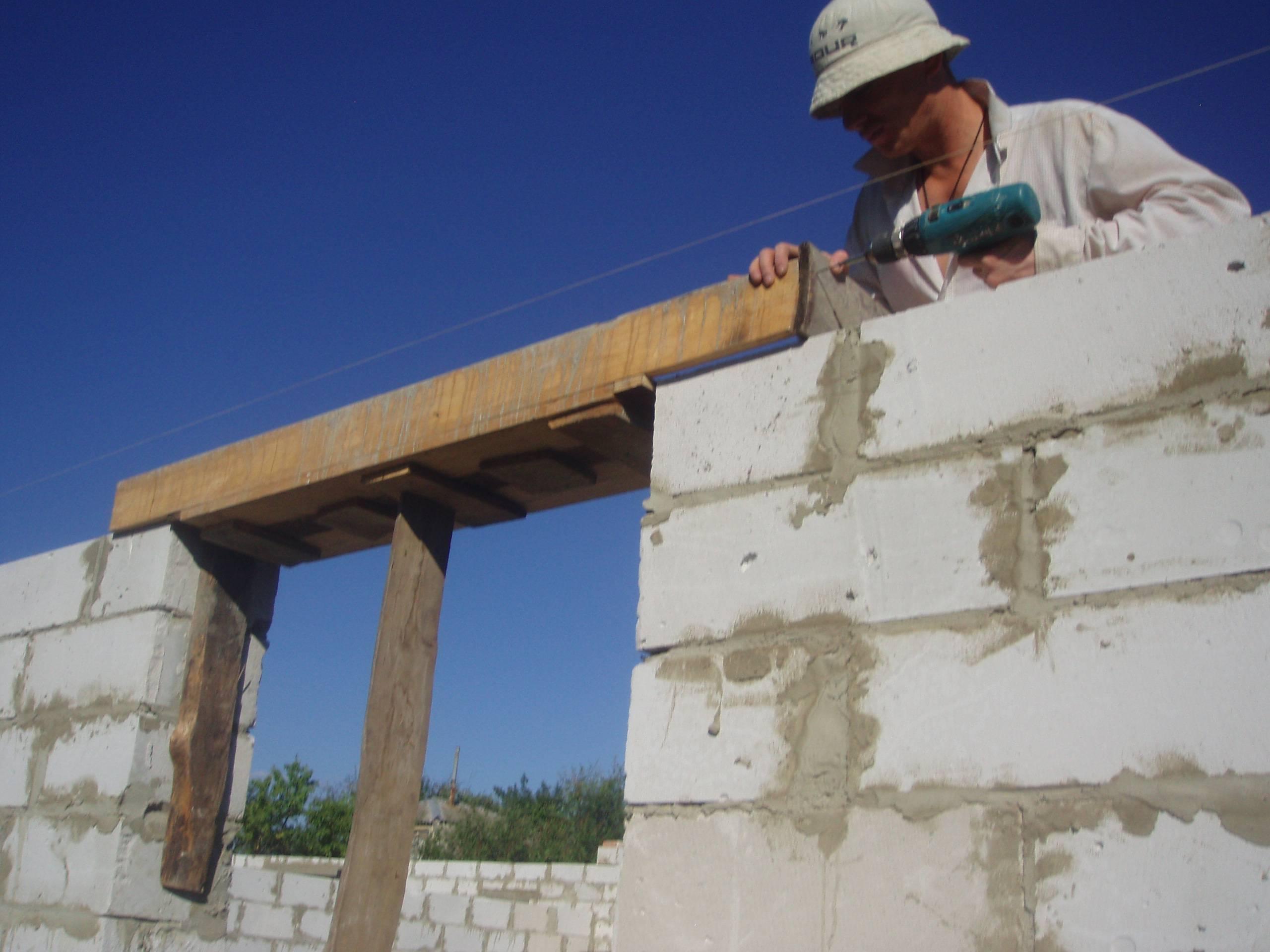 Вся правда о технологии возведение стен из пеноблоков, армирование кладки в деталях