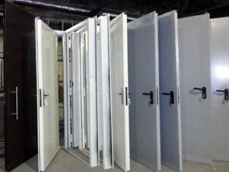 Противопожарные металлические двери: особенности изготовления однопольных и двупольных дверных полотен, их соответствие пожарным нормам и госту