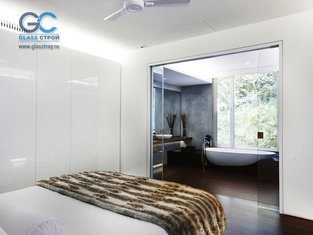 Пластиковые двери в ванную: правила выбора и технология установки (+ фото)