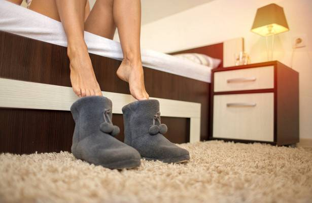 Почему американцы не снимают обувь в доме