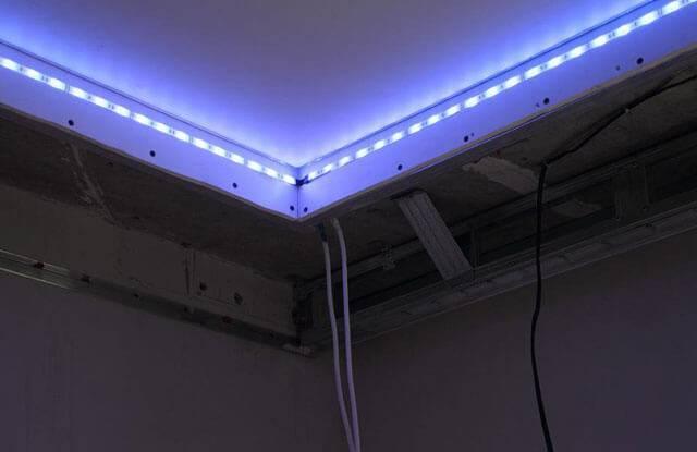 Какая светодиодная лента лучше для подсветки потолка